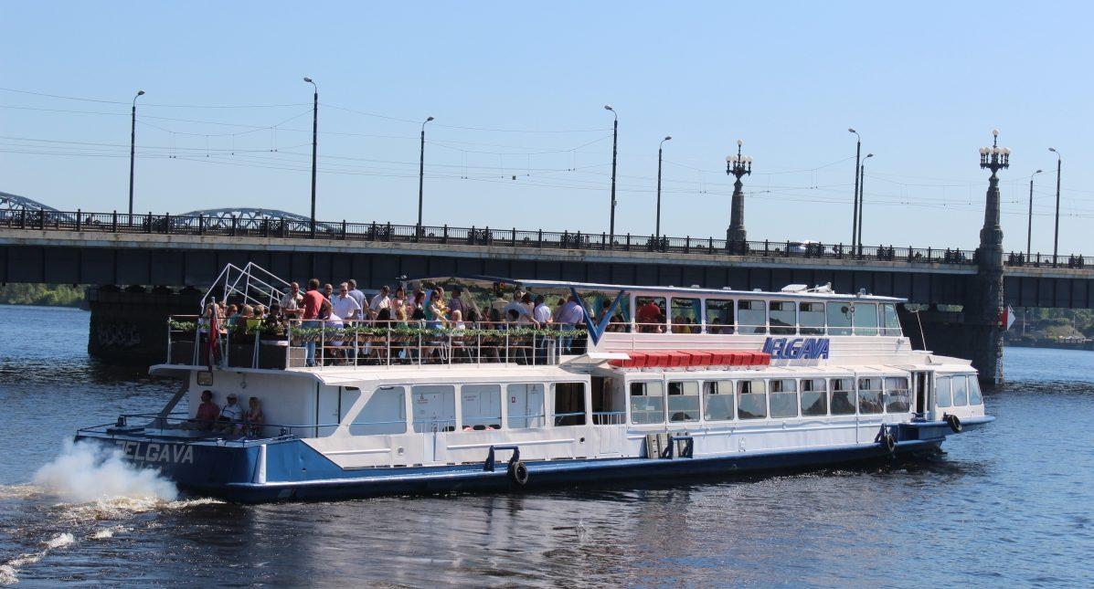 Kugitis-Jelgava-Riga-Brauciens-ar-kugiti-pa-Daugavu-Vecriga-Osta-7-e1463991424149